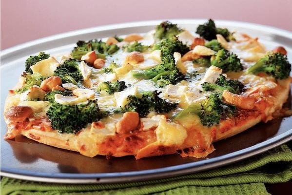 broccoli-brie pizza with cashew nuts