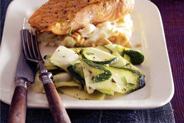 stewed salmon with zucchini salad
