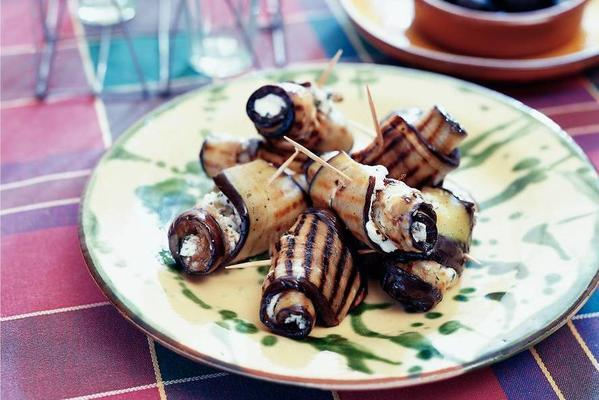 aubergine rolls with goat's cheese