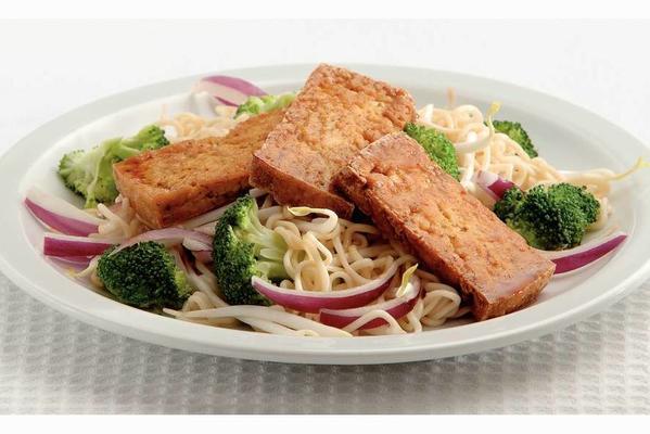crispy tofu with thai noodle salad