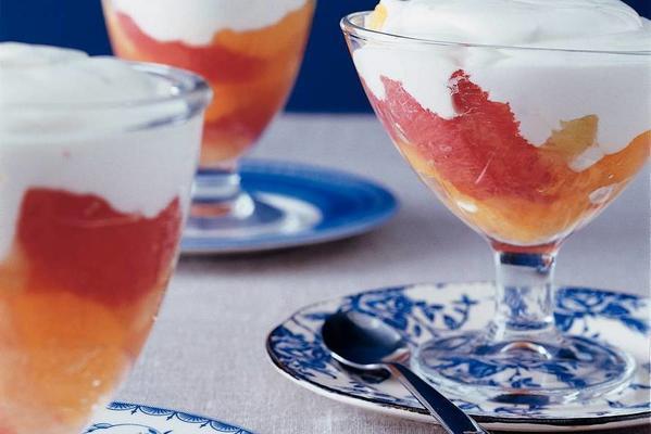 citrus salad with yoghurt cream