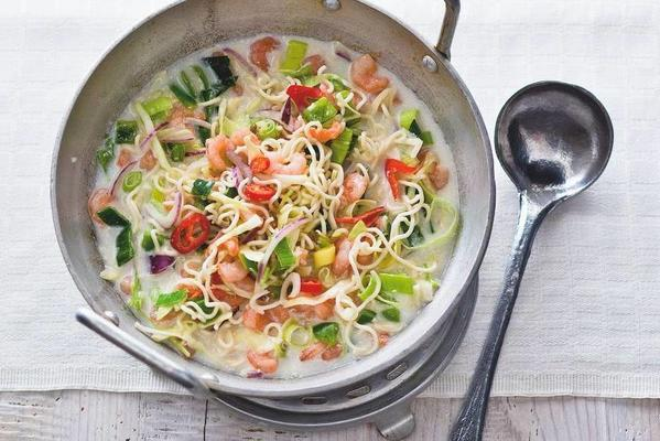 thai noodle meal soup with prawns
