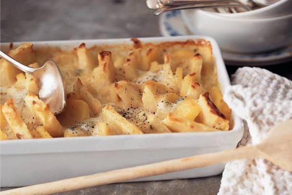 celeriac potato dish with gorgonzola sauce