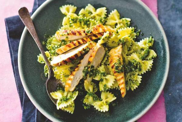 grilled chicken fillet with pasta and parsley pesto