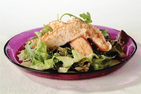 salmon salad with japanese dressing