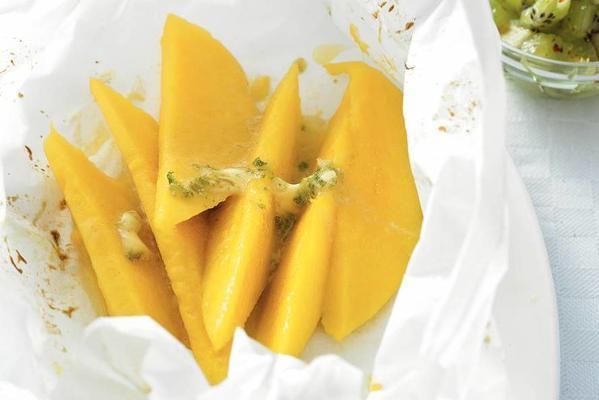 mango with kiwi salsa