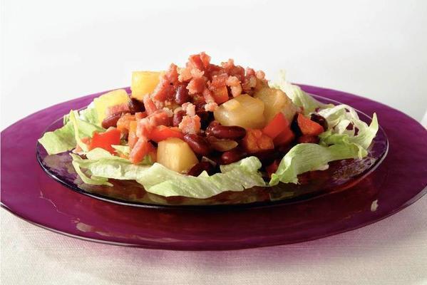 lukewarm bean salad with pineapple