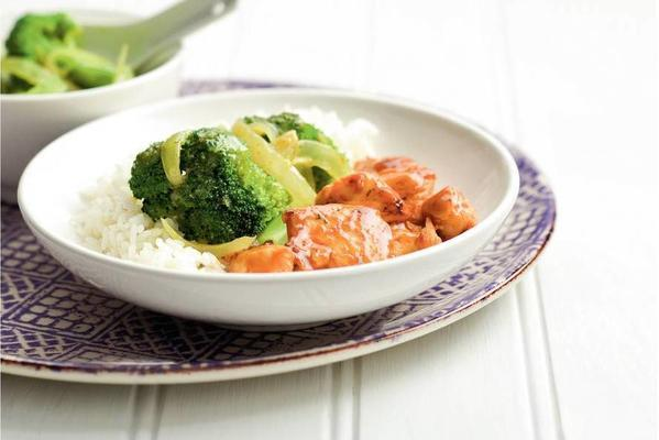 thai chicken with broccoli curry
