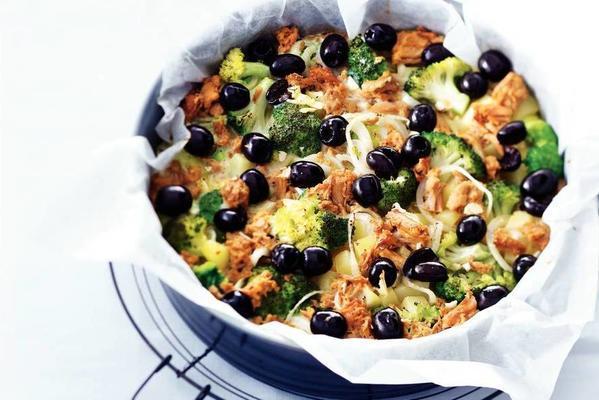 tuna omelette with broccoli