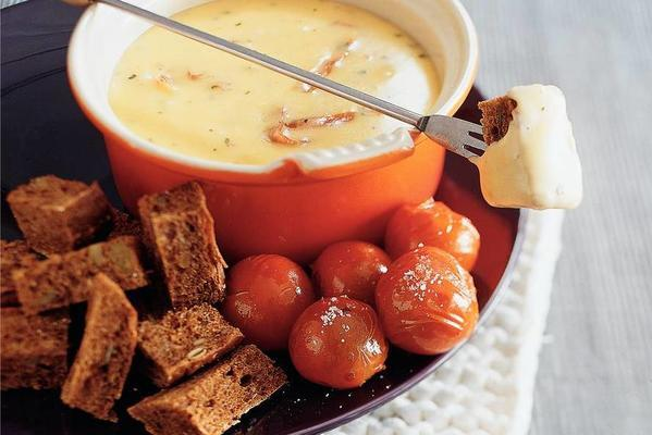 cheese ham fondue with hot tomatoes