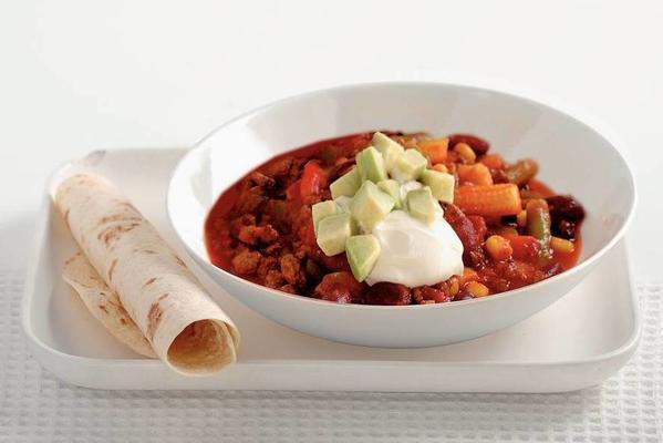vegetarian chili with tortillas