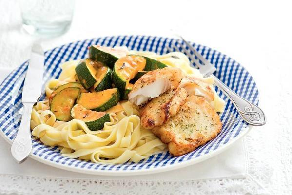 pangasius fillets with zucchini