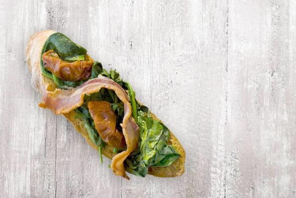bruschetta spinach, dried tomato and bacon