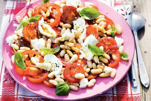 salad with paprika and tomato