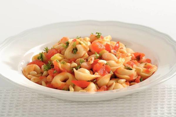 tortellini with tomato and pine nuts