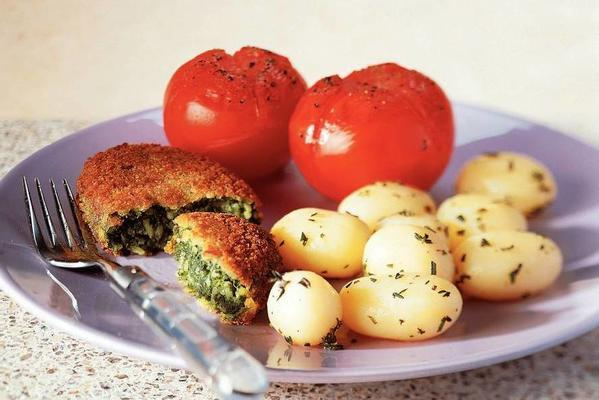 spinach schnitzel with herb potatoes