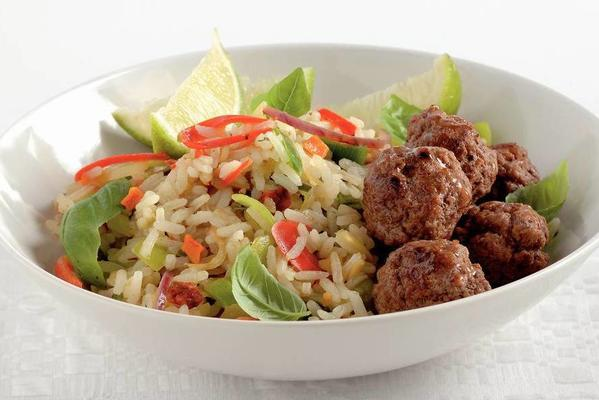 thai nasi with mini meatballs