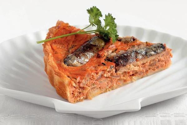 sardine tomato quiche with onion