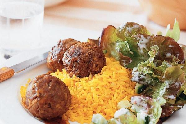 fruity curry meatballs with yellow rice