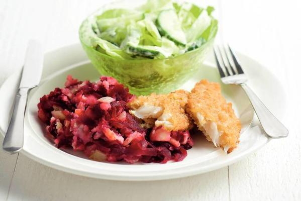 beetroot stew with delicious jelly and iceberg lettuce