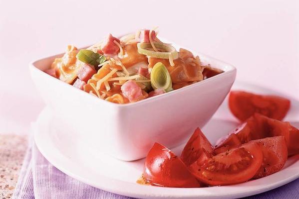 ravioli with ham-leek sauce