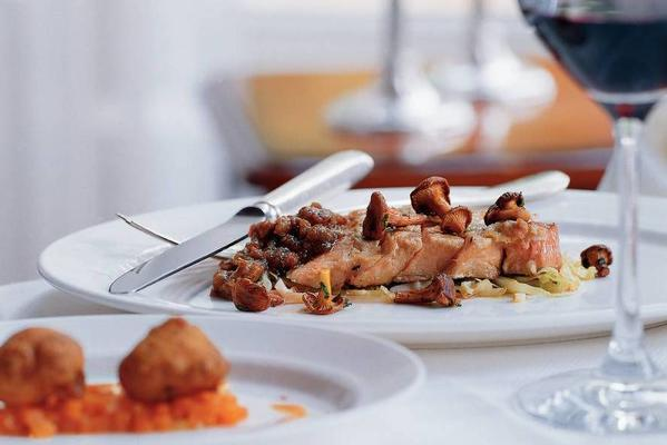 veal entrecote with pumpkin fritters and hachese sauce