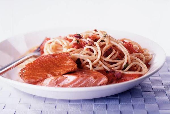 spaghettini with salmon and orange sauce