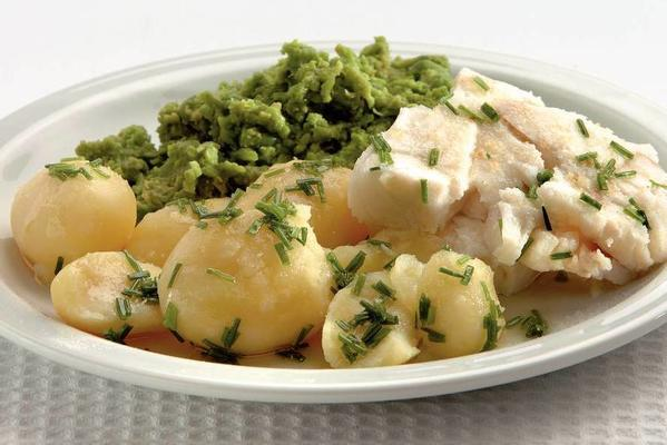 steamed fish with pea puree