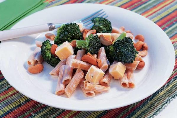 creamy penne-broccoli dish
