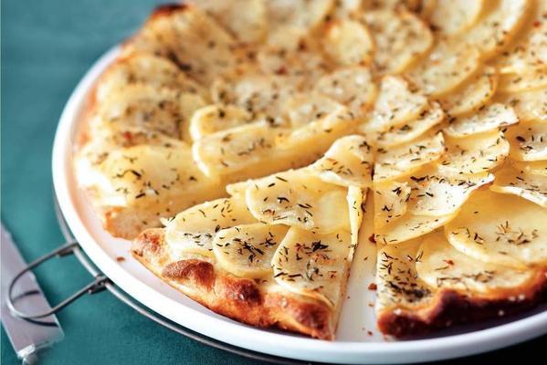spicy potato plate pizza