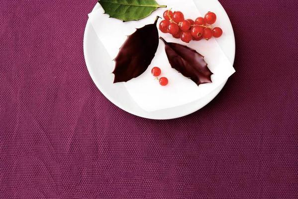 chocolate holly leaves