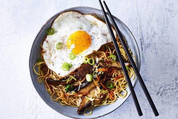 noodles with portobello and oyster sauce