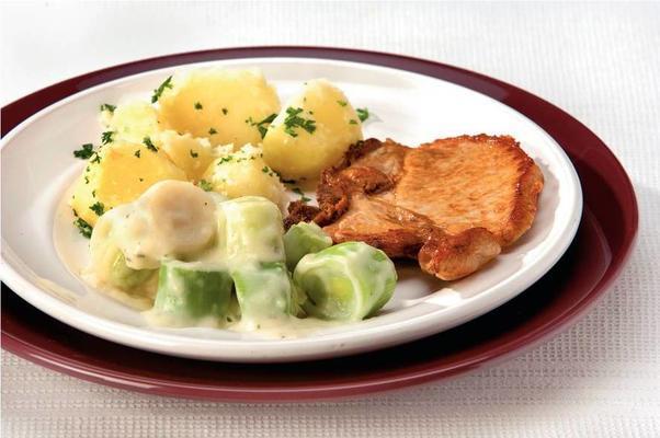 leek with cheese cream sauce and pork chop