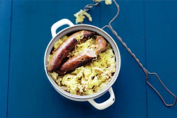 curry-sauerkraut stew