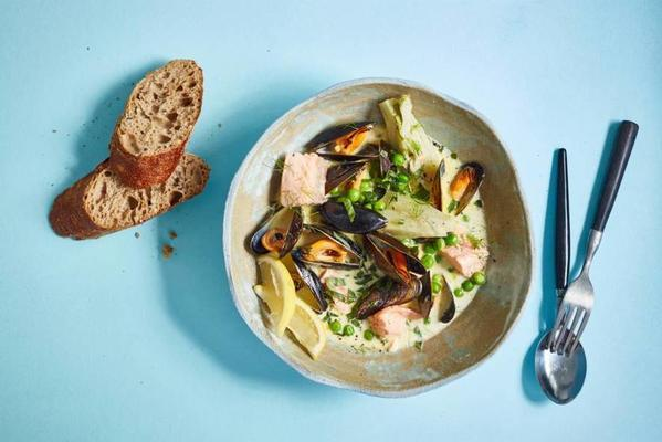 French fish stew with salmon and mussels