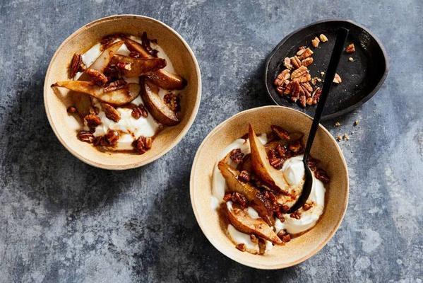 Greek yogurt with roasted pear