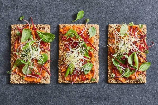 vegetable-whole-wheat crackers