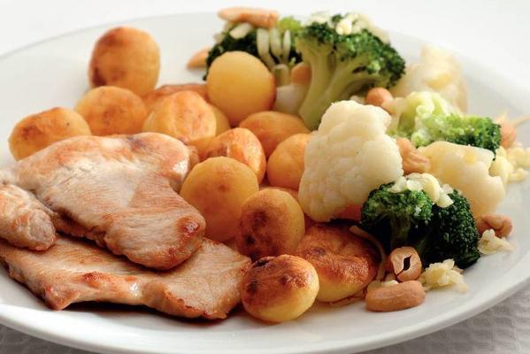 broccoli and cauliflower with fried potatoes
