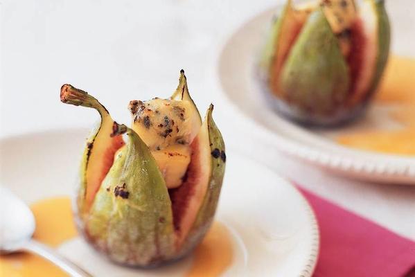 fresh figs with stilton