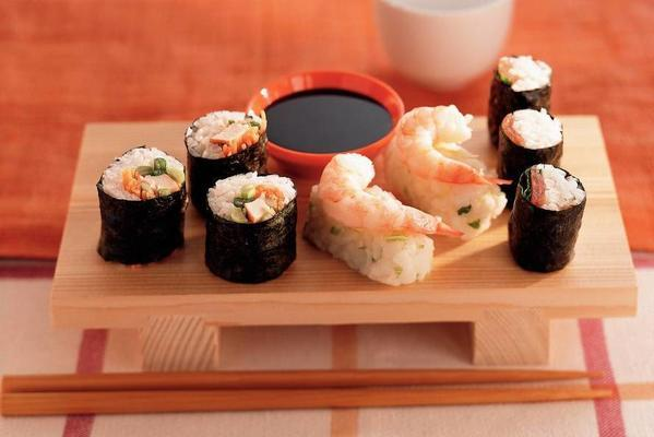 sushi rolls with smoked chicken