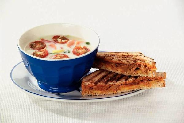 tuna steaks with creamy vegetable soup