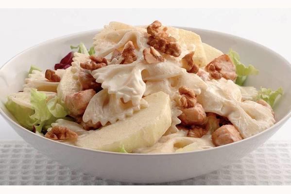 lukewarm pasta salad with mustard dressing