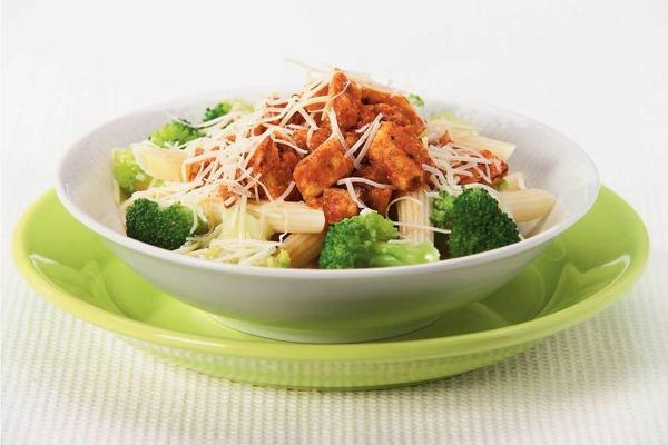 penne with broccoli and tomato sauce