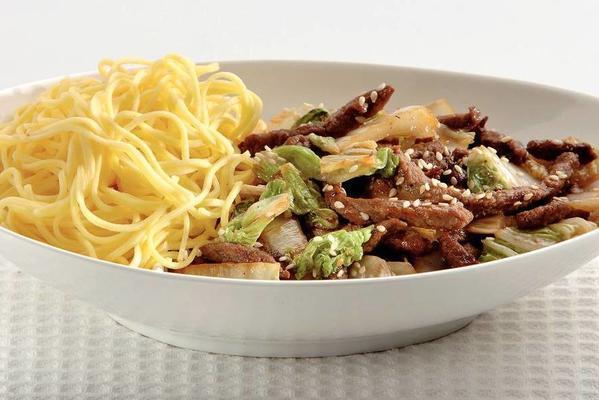 stir-fried beef strips with sesame