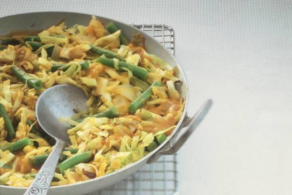 vegetable curry with egg
