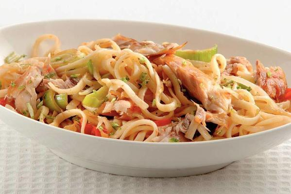noodles with lime and smoked mackerel