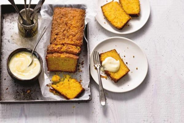 semolina cake with carrot and orange