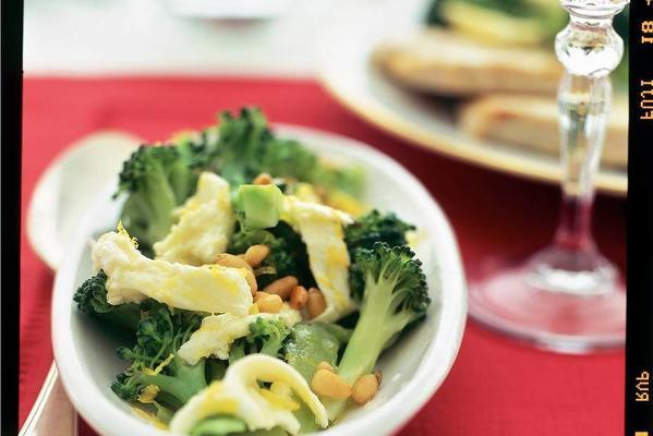 asparagus broccoli with lemon mozzarella