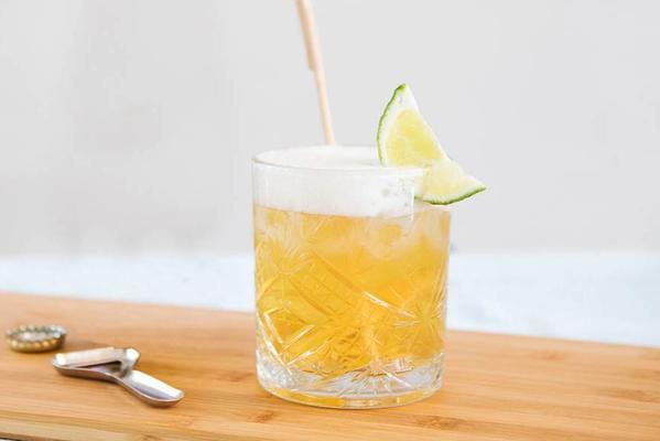 ginger beer and white beer cocktail