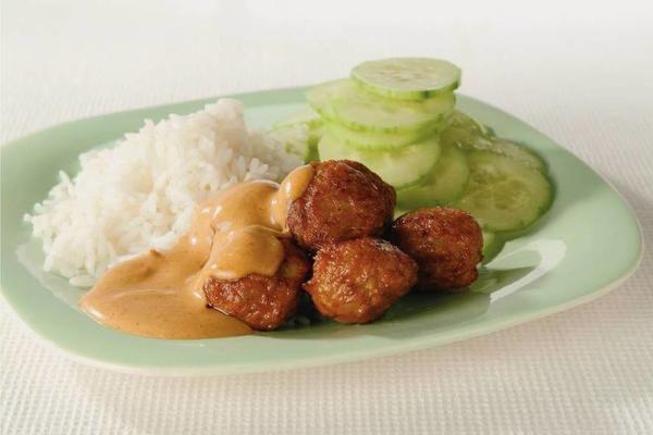 meatballs in peanut sauce